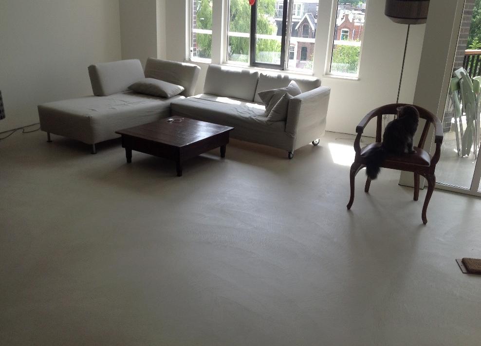Exclusieve Gietvloer Woonkamer : Luxe gietvloer voor intermezzo appartement in de zuidas